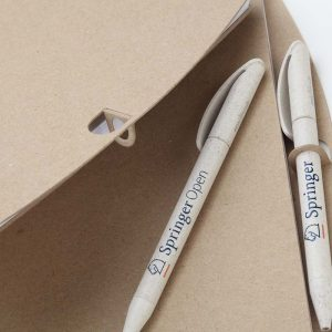 agenda-eco-friendly-pen-on-materiale-riciclato-carta-dinatalestyle-1