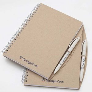 taccuino-eco-friendly-pen-on-materiale-riciclato-carta-dinatalestyle-1
